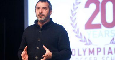 Ο Τεχνικός Διευθυντής της Ακαδημίας του Ολυμπιακού, Θοδωρής Ελευθεριάδης, μιλάει για την «καραντίνα»